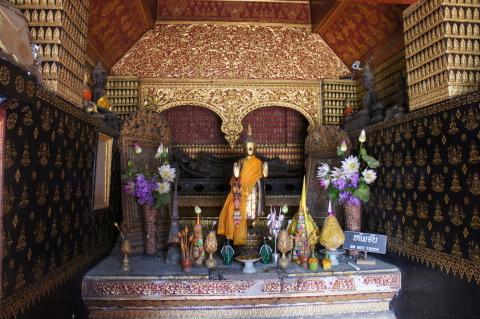 ラオス・ルアンパバーンワット・シェントーンの仏像画像