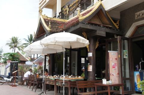ラオスのアンシエンタルホテルのカフェ画像