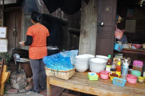 ラオスの麺屋画像