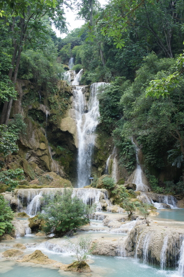 クアンシー滝全景画像