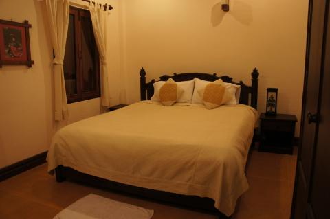 Villa Meuang Lao(ヴィラ・メウアンラオ)ベッド画像