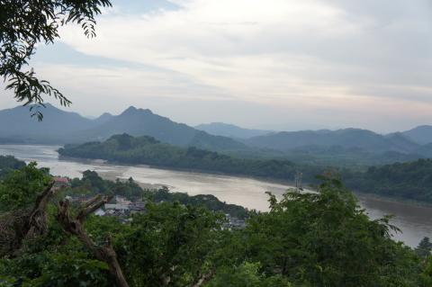 プーシーから見たメコン川画像