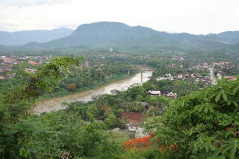 プーシーから見たカーン川画像